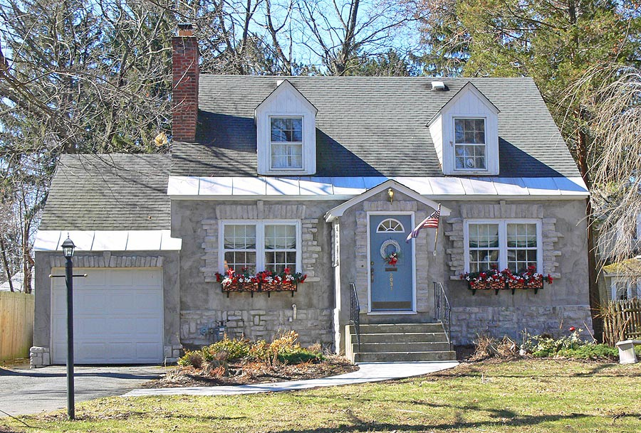 7 Ways To Improve Your Home S Curb Appeal And Dayton Roof